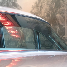 AST Exhibits knows that nothing brings a classic car to life better than the iridescent glow of a neon sign.